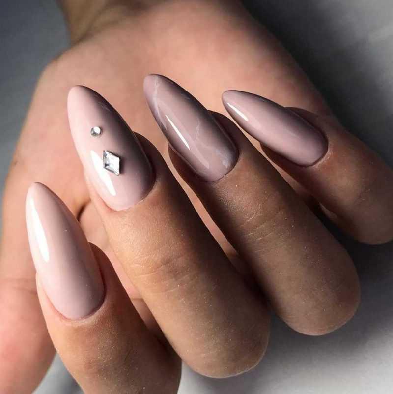 beige-nail-79