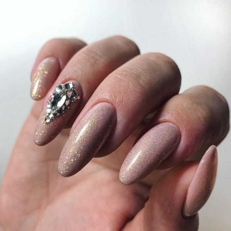 beige-nail-82