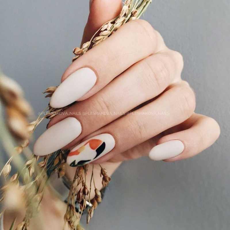 beige-nail-85