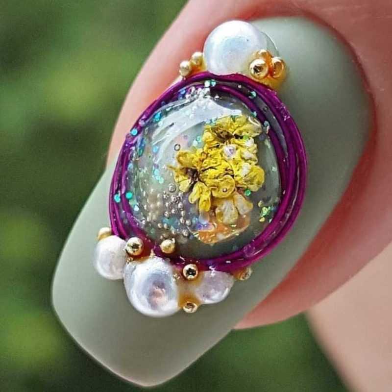 сухоцветы на ногтях