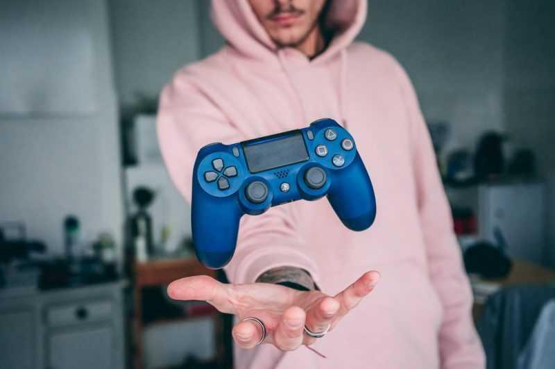 Игрок в приставку