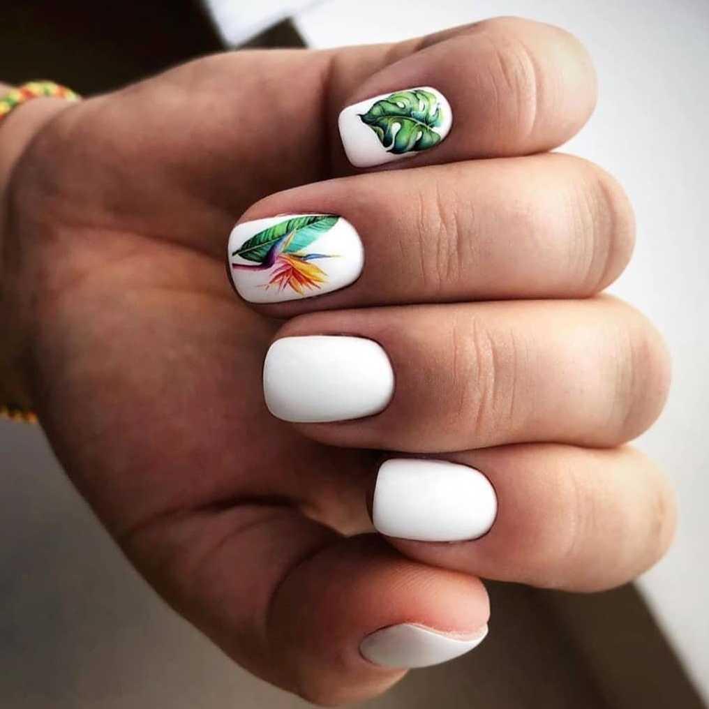 тропические наклейки на ногтях