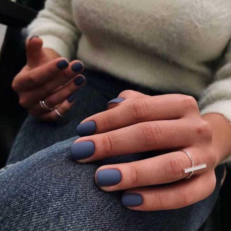 матовые синие короткие ногти