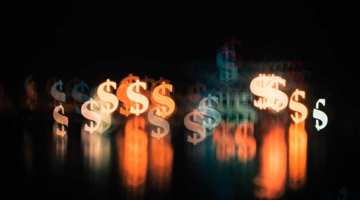 Светящиеся знаки доллара