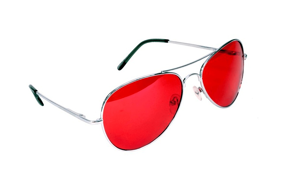 Очки с красными линзами