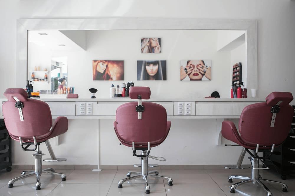 Кресла в салоне красоты