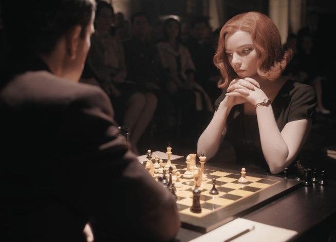 Кадр из фильма код королевы